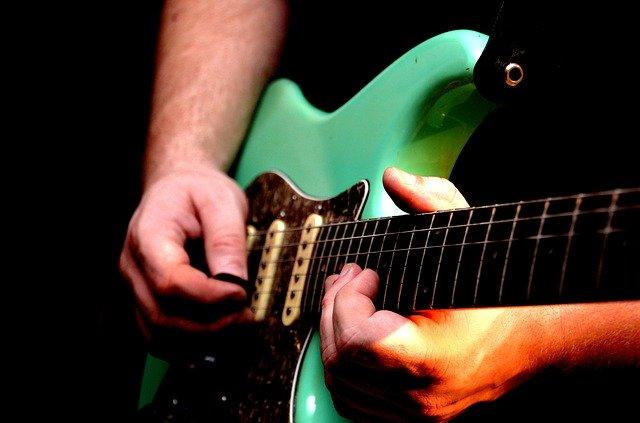 フォーカル・ジストニアのギタリスト